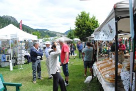 Skies open up for Sunday market