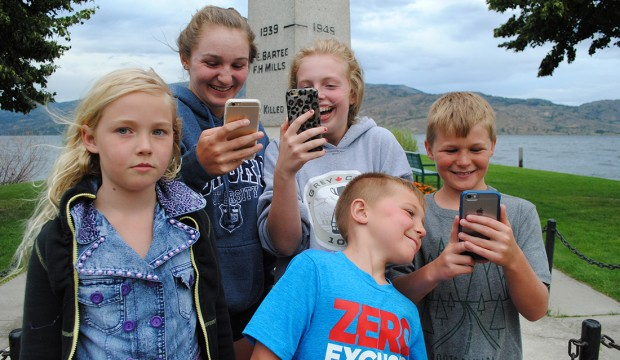 Real-world Pokémon phone game sweeps Peachland