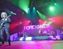 Foreigner plays near Peachland